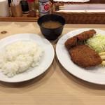 そよいち - メンチカツ ¥1000 ライス、豚汁つき