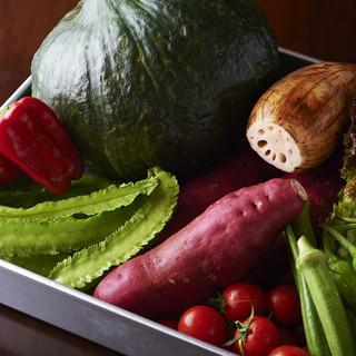 【産地直送】シェフ自らが目利きをして仕入れる旬の新鮮野菜◎