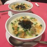弘喜樓 - ⑤具沢山の鶏ガラお粥も一人一皿ずつ\(^o^)/ お腹いっぱいで苦しいけど美味しくってペロリ