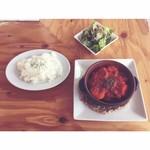 Beer & Chicken 大山 - ランチ・チキンのトマト煮込み