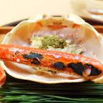 63939826 - 間人蟹の焼きと身と蟹味噌の飯蒸し