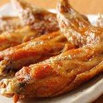 鶏料理専門店 とりかく - 手羽先唐揚げ