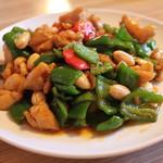 中華料理 大創苑 - 鶏肉とカシューナッツの炒め