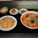 中華料理 大創苑 - ランチ:カルビ麺+半チャーハン