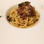 63944626 - 1703 オイスタールーム 牡蠣とポルチーニ茸のクリームパスタ