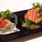 63944636 - 1703 オイスタールーム 前菜2種(ローストビーフ、牡蠣ジュレと)