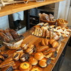 Panyakouro - 料理写真:所狭しと並ぶパンたち、大人系がいいですね(2017.3.13)