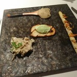 Cantina GIOIOSO - ホワイトアスパラのグリル、ロマネスクペイストのブリスケッタ、蟹のジュレ、蓮根の粒マスタード