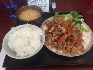 ポポット - 豚バラ肉と根菜いためランチ 780円