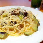 欧風食堂 カンパーニャ - とりそぼろ・茄子・長芋・太ねぎ・きのこと具材も豊富