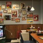 SUN DOVE DINER - アメリカンダイナーを再現した素敵な店内