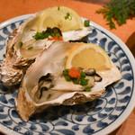 63948355 - 「佐渡近海 新物 真牡蠣」「焼き牡蠣・蒸し牡蠣」