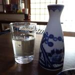 刀屋 - ドリンク写真:コップで常温酒