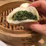 鼎泰豊 信義店 - 豚と野菜の肉まん