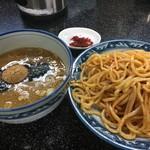 縁者 - 辛味つけ麺税込880円
