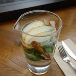 METoA Cafe & Kitchen - アップル/シナモン/スペアミント