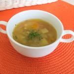 ビーチ食堂 Mr. BEACH - スープとドリンクは+200円+税で追加になります。お野菜ゴロゴロのスープ。癒やされます。