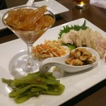 外灘紅緑灯 - 前菜三種盛り 1620円