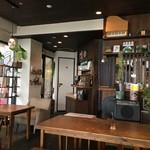 カフェ ジンタ - 店内