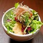 生姜とりんごのドレッシングサラダ