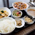 スーツァンレストラン陳 - ランチ 鶏肉のあっさり炒めとマーボードーフ