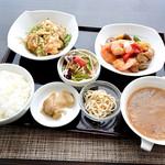 スーツァンレストラン陳 - ランチ 白身魚の甘酢ソースとぷりぷりエビのオイスターソース炒め