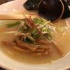 雄 - 料理写真:Aセット 鶏そば + 半炒飯 1080円。