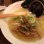 TORISOBA 雄 - Aセット 鶏そば + 半炒飯 1080円。
