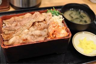 丸寿 高麗橋店 - ぶた重  ご飯大盛り  750円