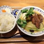 ごちそうとん汁 - 西京味噌の豚汁+100円の定食セット