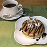 Cafeるくら - パンケーキ (チョコレート)ドリンクセット 500円