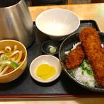わだ泉 - 普通サイズの醬油カツ丼【料理】