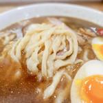 麺や七彩 - 縮れ麺