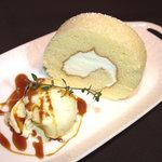 カフェ カラク - 高純度生クリーム使用のロールケーキは口どけが最高です