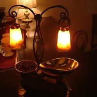 カフェ・ラ・ミル - 落ち着いた雰囲気のカウンター