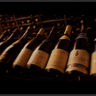 【厳選】50種類以上の豊富なワイン。