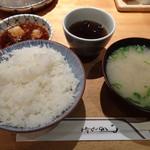 天ぷらめし 金子半之助  - ご飯、お味噌汁、お茶、天つゆ