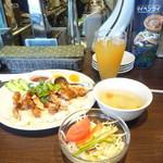 THAIFOOD DINING&BAR マイペンライ -