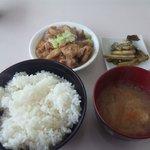 信州お袋の味 「ふもと食堂」 - もつ煮定食@800