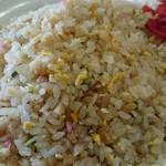 ニュー長田屋 - 焼き飯。福神漬けが良い。