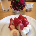 イタリア食堂 フクモト - 本日のフルーツタルト(イチゴ)+150円