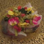63991483 - 【5000円コース】(シマアジのカルパッチョ)お皿と盛り付けのセンスの良い一品♪