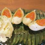 七ちゃん - 燻製たまごとポテト