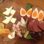 七ちゃん - 燻製5品 たくわん、ささみ 鴨ロース チーズ 卵