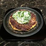 華 千房 - 牡蠣と山芋とろろのお好み焼