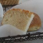 バルベラ - 自家製パン