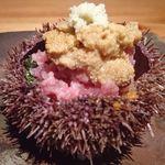 64001523 - 蝦夷バフンウニと中落ちのお寿司