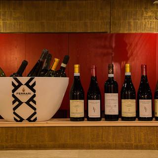 グラスワインは、10種類以上ご用意!!
