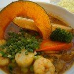 スープカレー plus one - 枝豆と海の恵みのスープカレー