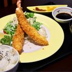 寿司割烹 寿司御殿 - 特大えびふらいランチ